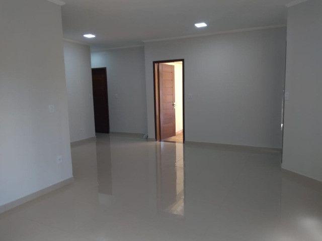 Excelente casa com 03 quartos, 02 vagas de garagem em Santa Rosa-RS - Foto 13