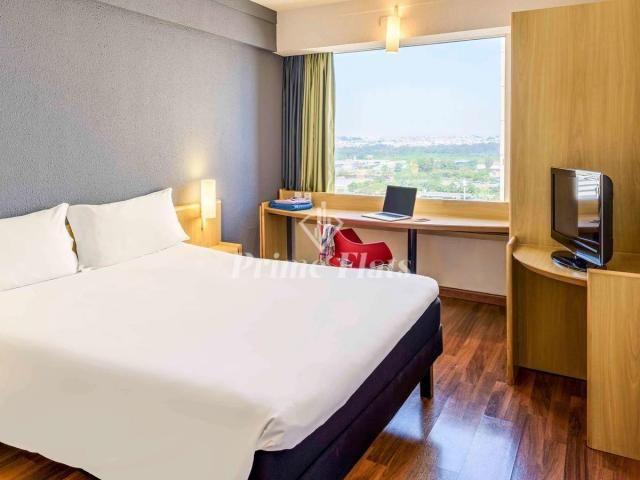 Flat à venda no Hotel Ibis Guarulhos, com 1 dormitório, 1 vaga de garagem!