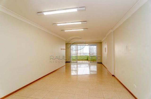 Amplo apartamento com 230,m² útil, 3 Suites e 3 vagas de garagem Gleba Palhano