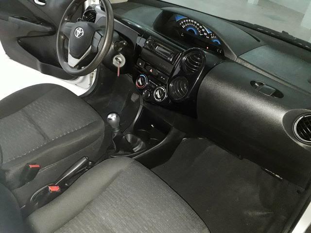 Toyota Etios Sedan 1.5 2015 - Aceita troca menor valor - - Foto 7
