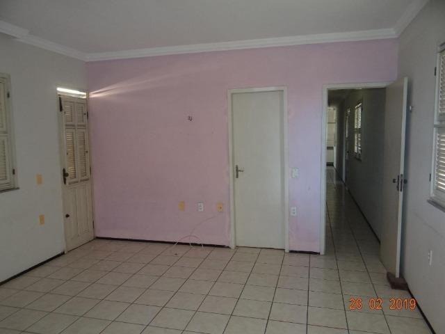 CA1841 Vendo ou Alugo, casa duplex com 5 quartos, 8 vagas de garagem, Cambeba - Foto 4