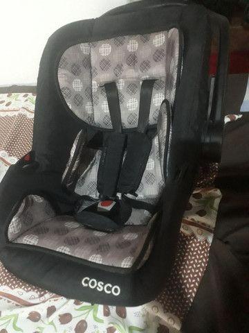 Bebê conforto, cadeira musical q vibra e toca e carrinho de bebê   - Foto 2