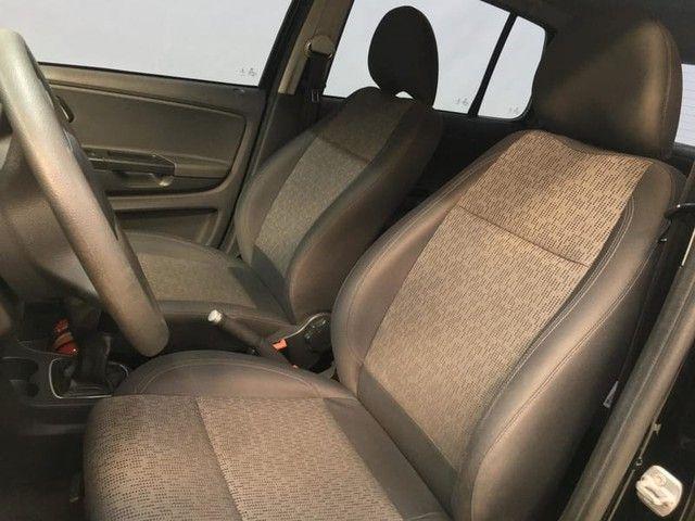 Volkswagen FOX 1.0 MI 8V TOTAL FLEX 4P - Foto 14