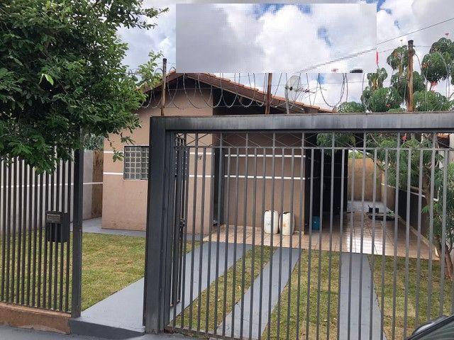 Linda Casa Condomínio Rita Vieira são 2 Suítes + 1 Quarto - Foto 4