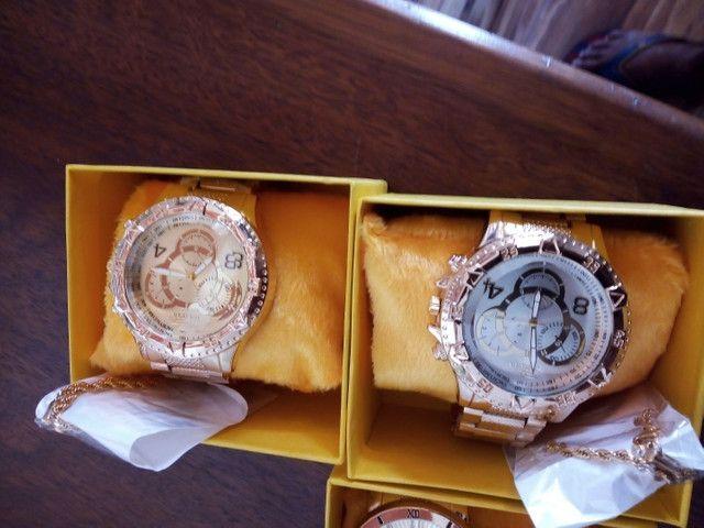 Vendo kit com relógio e pulseira - Foto 3