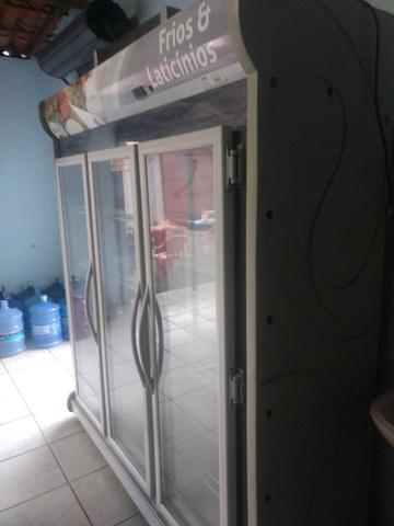 Expositor de frios e laticínios 3 portas