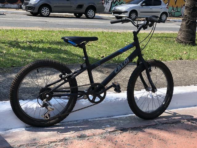 Bicicleta Caloi aro 20 Hot Wheels