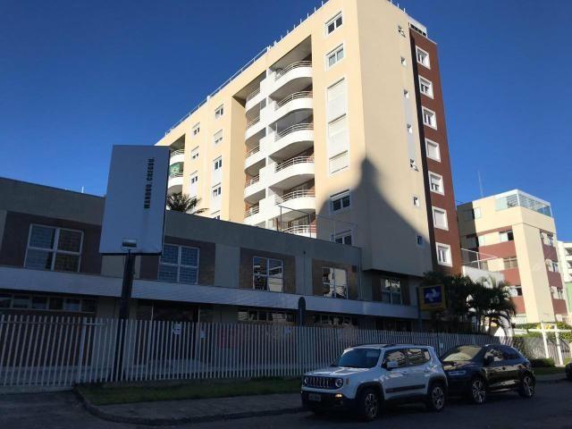 Apartamento 03 dormitórios com suíte no Batel