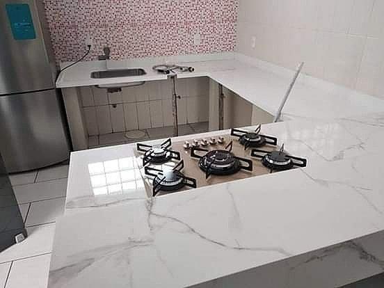 Vendo bancada, balcão, cooktop, ilha e pia de Porcelanato - Foto 2