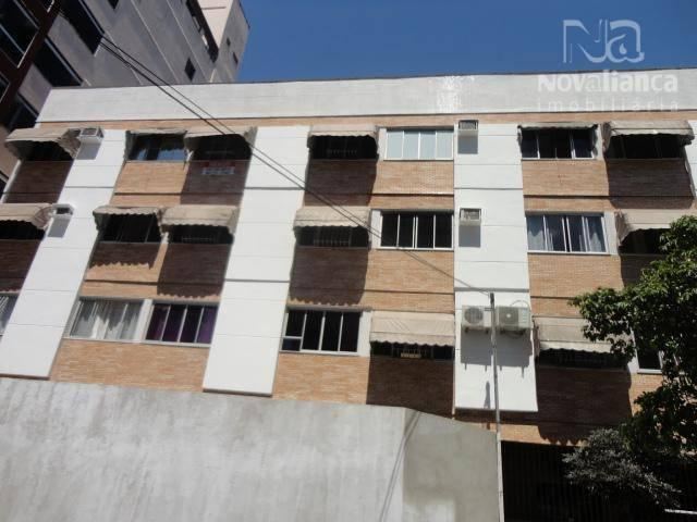 Apartamento com 2 dormitórios à venda, 70 m² por R$ 220.000 - Jardim Camburi - Vitória/ES