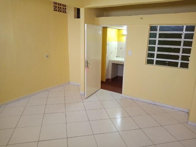 Aluguel de Quarto e Cozinha - Foto 6