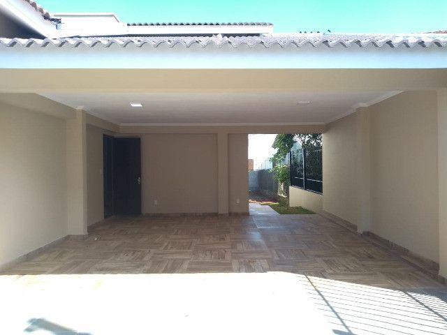 Excelente casa com 03 quartos, 02 vagas de garagem em Santa Rosa-RS - Foto 3
