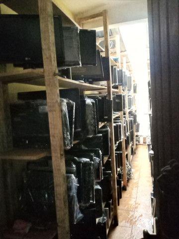 Lote de monitores diversos tamanhos