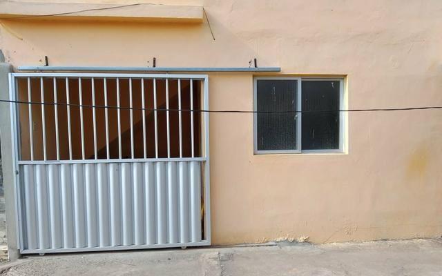 Alugo Casas com 2 e 3 quartos