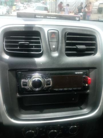 Moldura sandero logan com radio