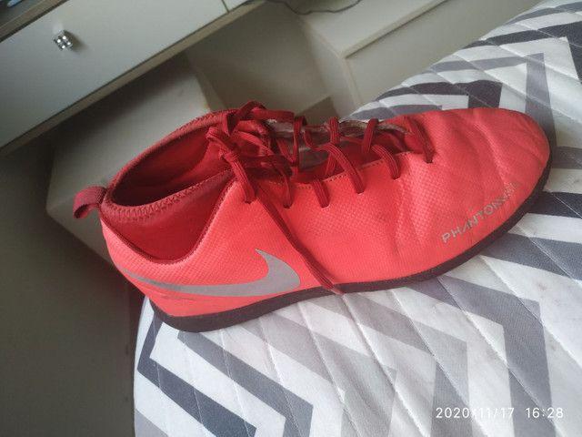 Chuteira da Nike N 35 bem conservada! - Foto 2