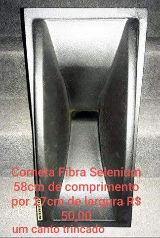Corneta Fibra Selenium 58cm de comprimento por 27cm de largura