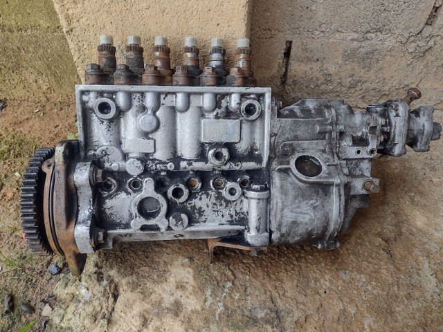 Carcaça da bomba injetora da MB 1935 motor om447