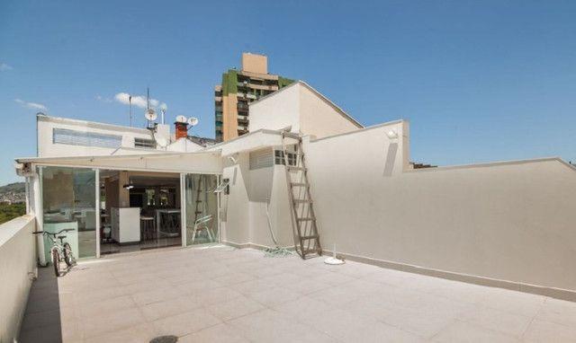 Cobertura de 203 m2 , com 3 quartos e 2 vagas em Petrópolis - Foto 9