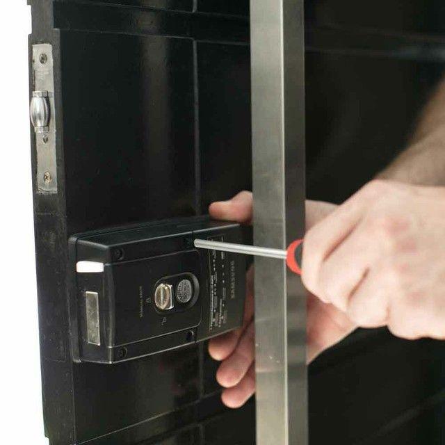 Consertos e trocas de fechaduras a domicílio