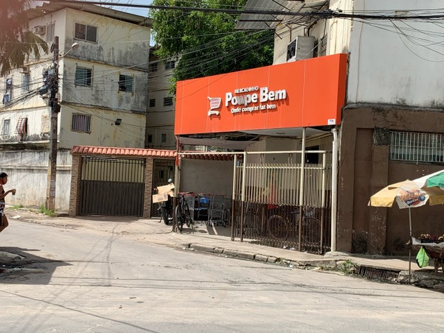 Alugo Apartamento-Av. Brasil- Vizinho ao Mercadinho Poupe Bem