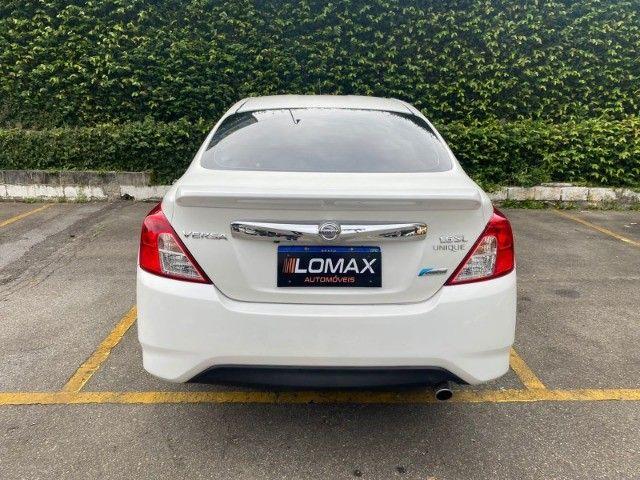 Nissan Versa 1.6 Unique 2017  Completo - Multimídia - Automático - Bancos de Couro - GNV - Foto 4
