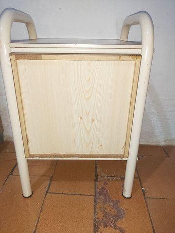 Mesa de cabeceira com 3 gavetas  - Foto 5