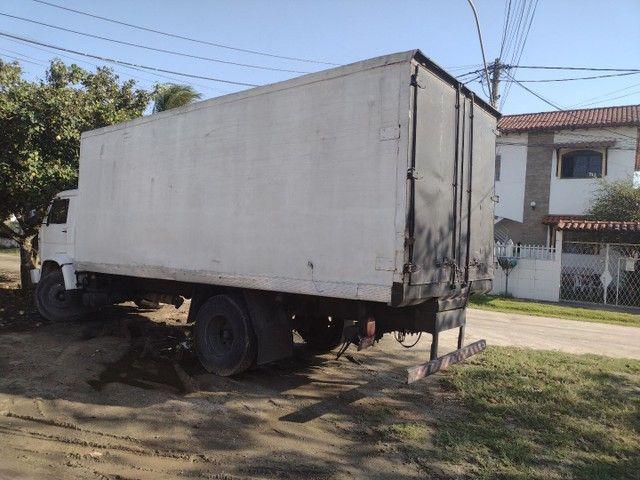 Caminhão 12140 baú refrigerado - Foto 6