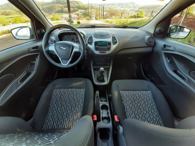 Ka SE 1.0 Hatch 2020 prata - Foto 18