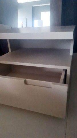 Conjunto móveis  prateleira, rack, criado e aparador cor Fendi  - Foto 6