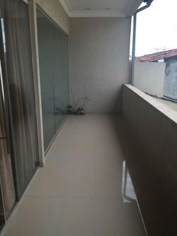 Sobrado Alto Padrão, 4 qts, 3 salas, garagem p 3 carros, Piscina e churrasqueira, Top!!! - Foto 11