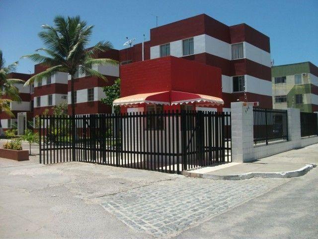 Apto na Av. do Shopping Riomar sentido Praia, no térreo, no Cond. Mar do Caribe