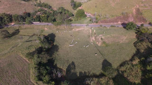 Pasto ao lado da RJ 153 Km 30,5 Volta Redonda - Foto 3