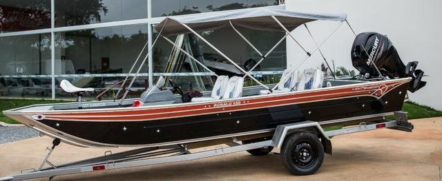Barco Robalo com Console Brazil Nautica