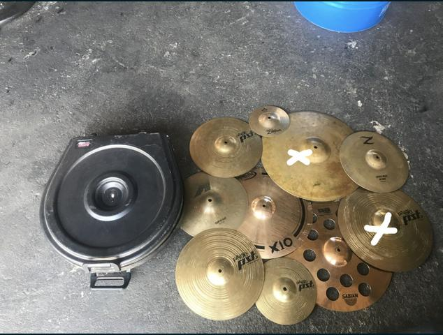 Zildjian, pratos bateria, contra baixo Yamaha, amplificador.