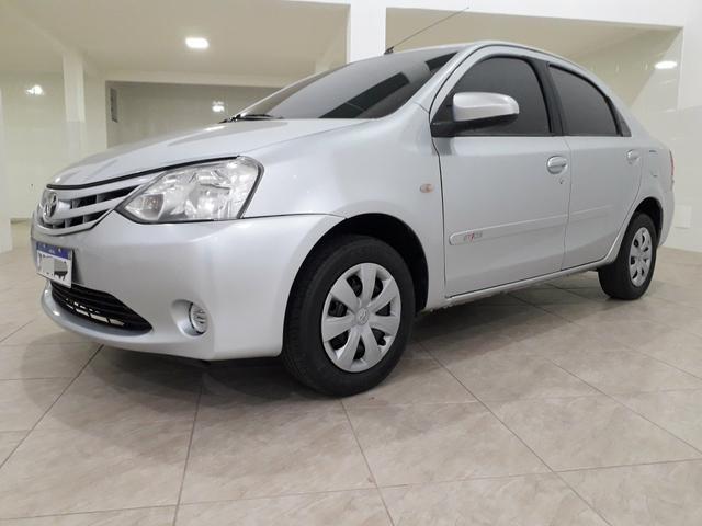 Toyota Etios Sedan 1.5 2015 - Aceita troca menor valor - - Foto 6