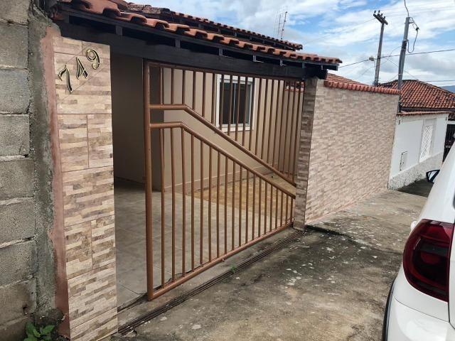 Vende ótima casa no bairro Cruzeiro do Sul
