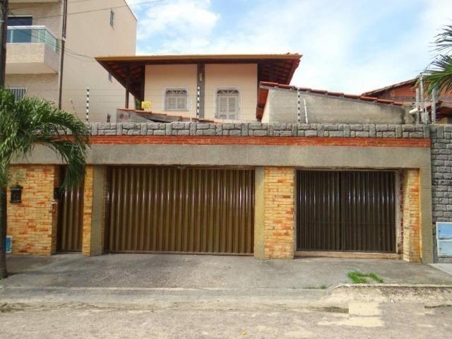 CA1841 Vendo ou Alugo, casa duplex com 5 quartos, 8 vagas de garagem, Cambeba