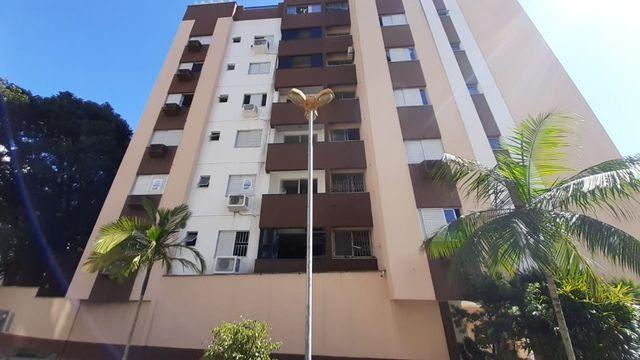 Apartamento de 4 Dorm(Suíte), Semi-Mobiliado, Próximo Estadio do Criciúma