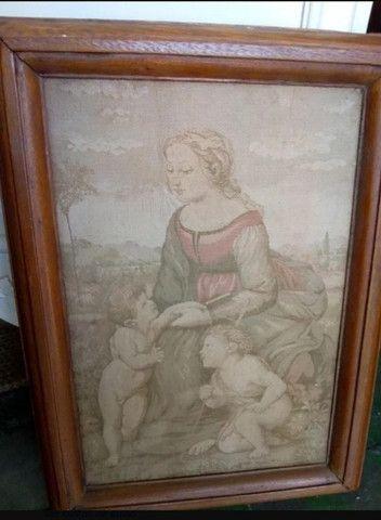 Quadro Antigo Em Tapeçaria Sacro - Foto 2