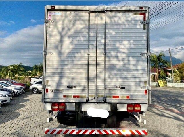 Caminhão vw 24250 constellation ano: 2011  - Foto 2