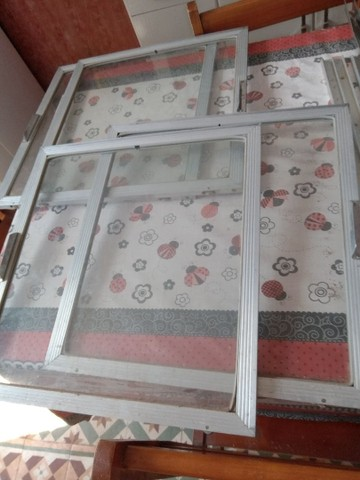 Portinhas de vidro e alumínio - Foto 5