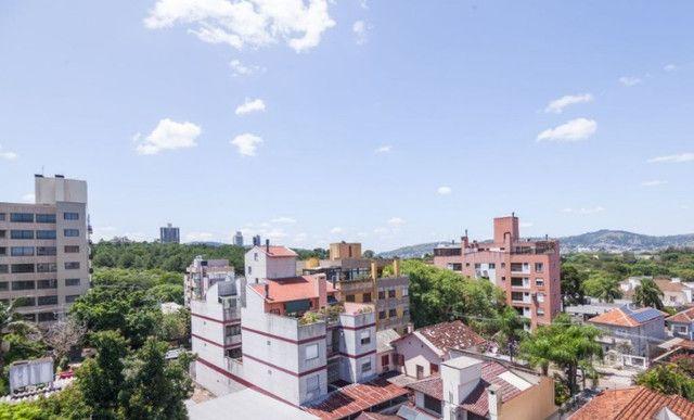 Cobertura de 203 m2 , com 3 quartos e 2 vagas em Petrópolis - Foto 10