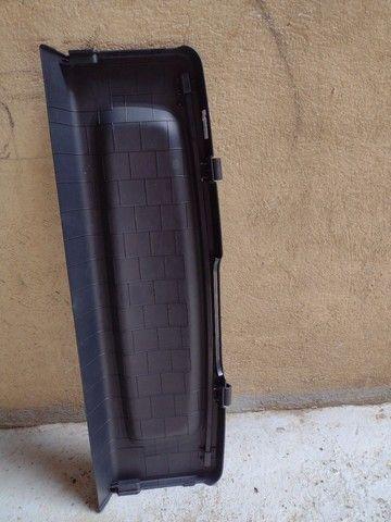 Tampão, tampa traseira do porta malas do mobi 2021 - Foto 2