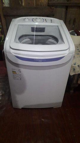 Maquina de lavar 16 quilos lava edredon cobertor ela e bem grande.