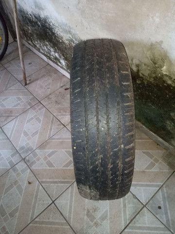 Vendo pneu com calha - Foto 2