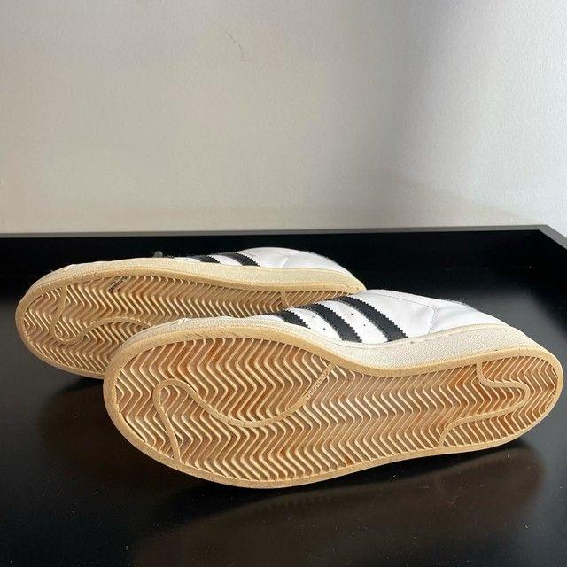 Tênis Adidas Superstar 41 - Foto 4