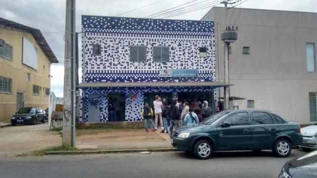 Prédio comercial à venda, Sítio Cercado, Curitiba.