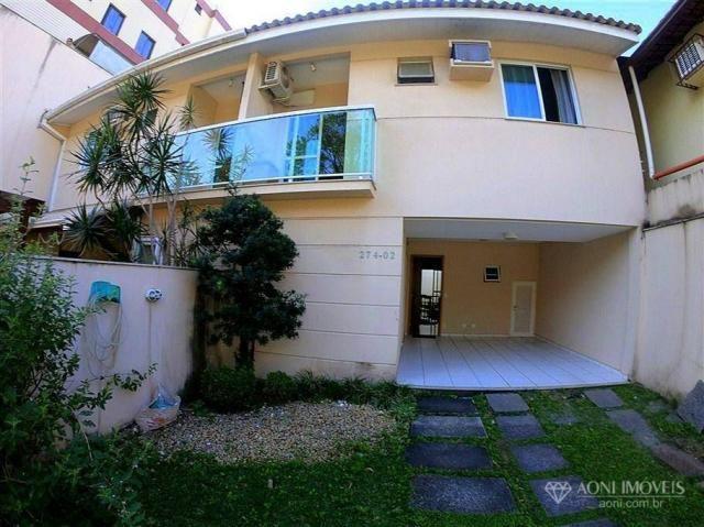 Casa duplex com 4 dormitórios, sol da manhã, lazer com churrasqueira e quintal, 3 vagas de - Foto 2