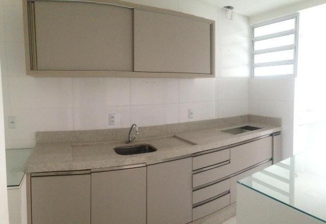 Apartamento 2 dormitórios sendo 1 suíte, em ótima localização no centro!! - Foto 5